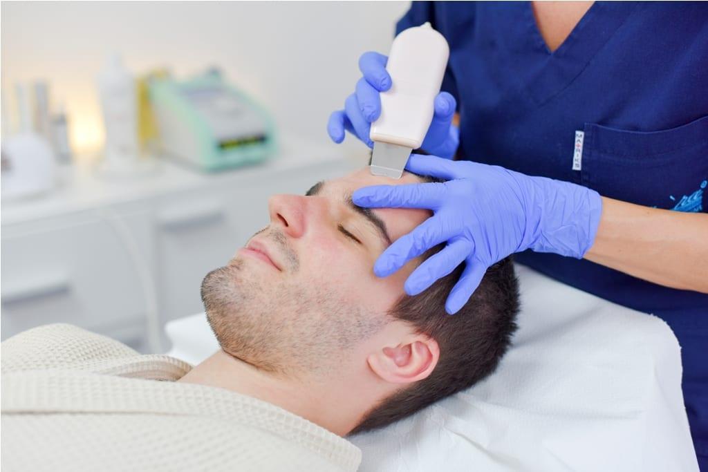 ultrazvučno čišćenje lica u estetskom centu Maara, čišćenje lica ultrazvučnom spatulom